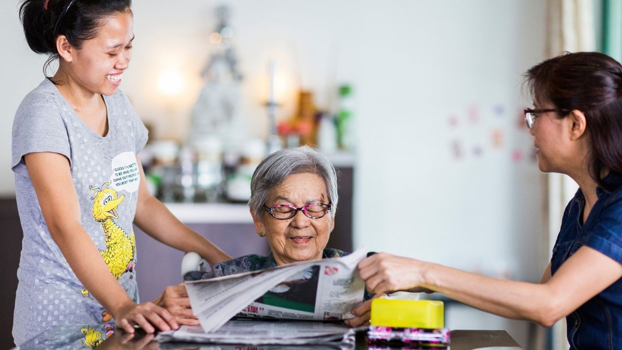 Elderly Care: Hiring a Maid VS Nursing Home